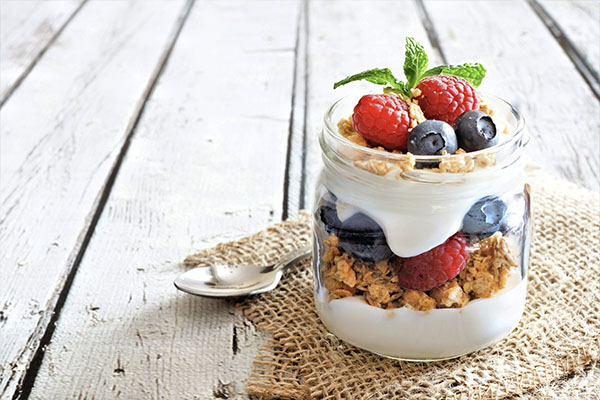 Blueberry Walnut Yogurt Parfait